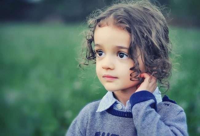 child 807547 1280 650x442 - Bé gái 6 tuổi chứng kiến bố ngoại tình