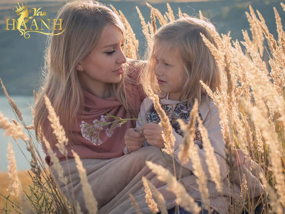 t con ngang bằng để nói chuyện - Cách nhanh nhất và đơn giản nhất để bố mẹ làm bạn cùng con
