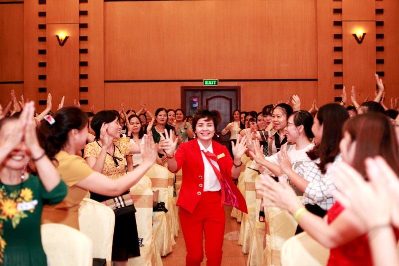 IMG 3234 - Queen Bee Chuyên gia tâm lý Vera Xuân Hường