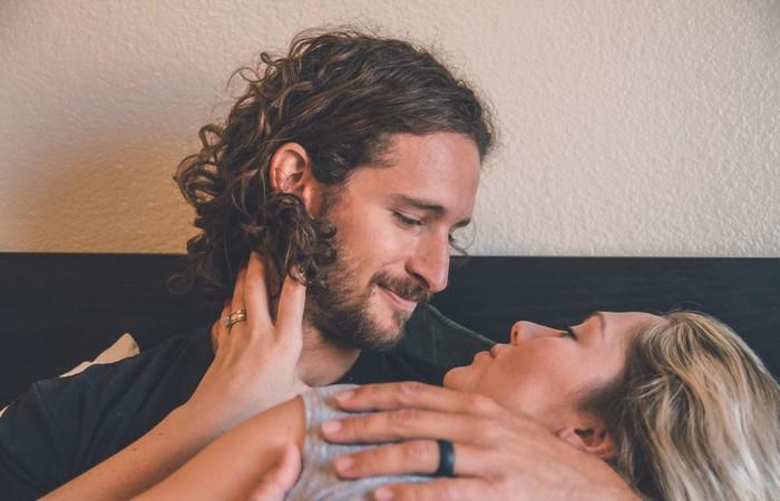 Bị chồng phản bội cũng khiến phụ nữ dễ ngoại tình hơn