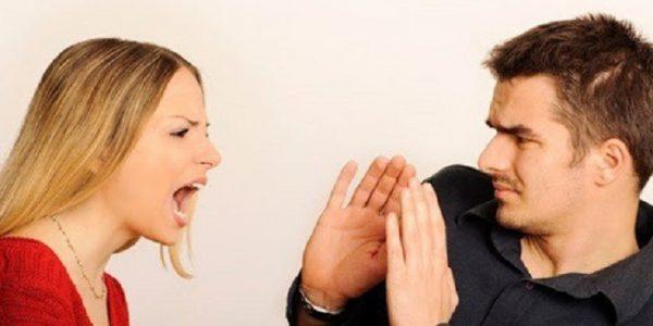 Người đang nói dối có xu hướng dễ nổi nóng với người đối diện