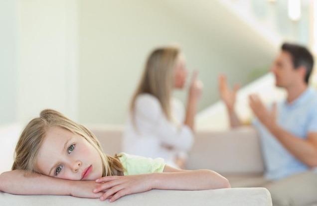 """tre 1523955854498593993940 - Lá thư con gái gửi bố mẹ trước ngày ly hôn: """"Ngày mai, có phải con là trẻ mồ côi?"""""""