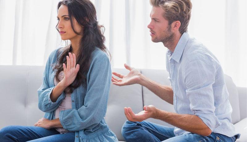 vo chong1 1 - Trong tất cả các mối quan hệ, kể cả yêu đương hay vợ chồng: Không kiếm ra tiền thì mất quyền lên tiếng