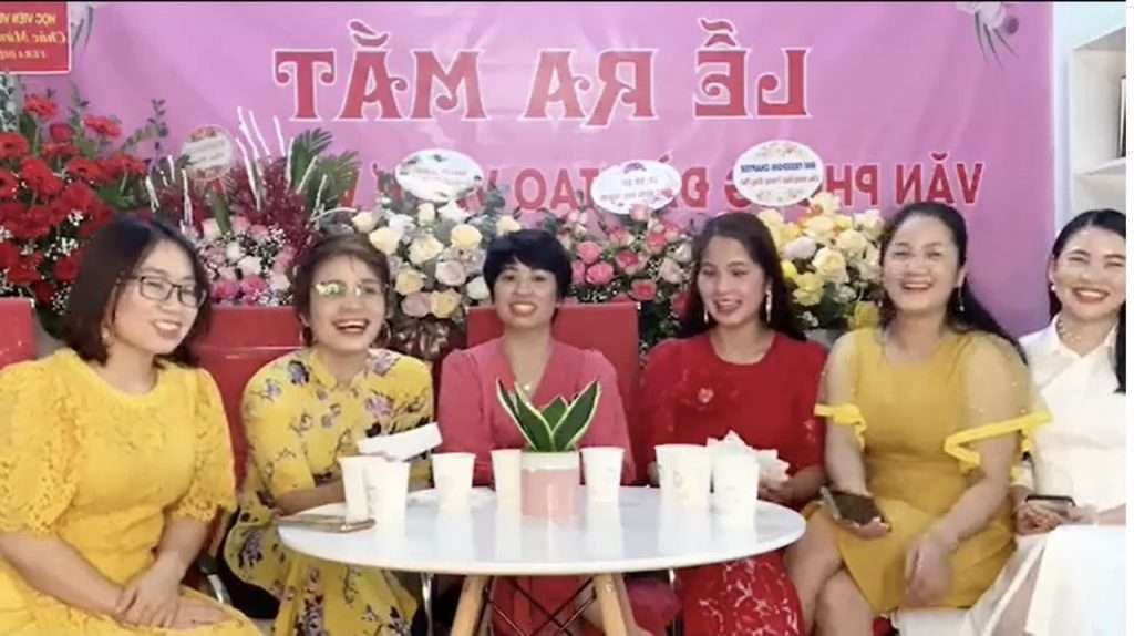 co vera ha anh tham gia talkshow cung cac queen bee